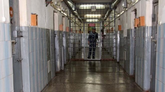 Сотрудник ИК-5 пронёс на зону сотовый телефон для осуждённого