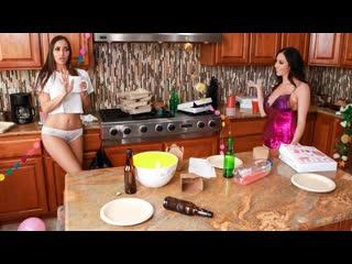 Ariella Ferrera, Desiree Dulce - Post-Party Cleanup   Lesbian Sex MILF Big Tits Porn Порно Лесбиянки