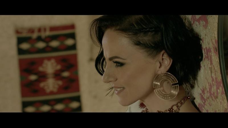 Péter Szabó Szilvia Varázsszőnyeg Official Music Video