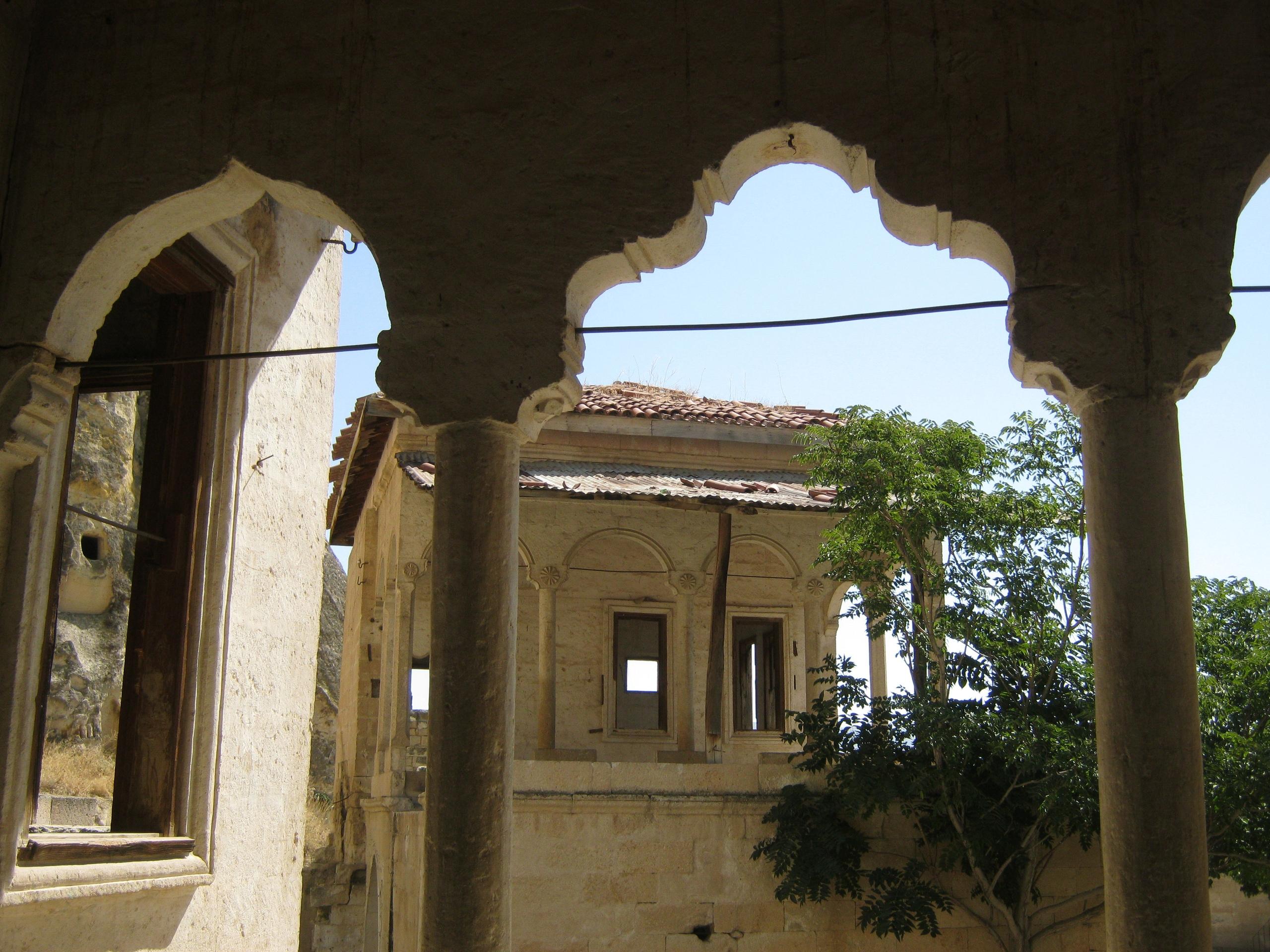 Пустующие старинные дома в Каппадокии