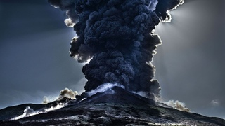 People left their homes. Levotolo began to erupt. The most powerful eruption of Levotolo.