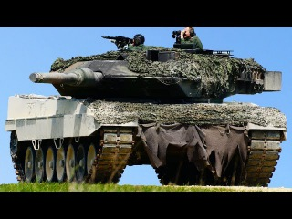Monstrously Powerful German Tanks in Action During Giant Training Drill: Leopard 2