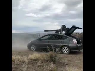 Самый опасный Prius в мире.mp4