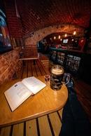 Сегодня четверг, а значит пришло время пить темное пиво литрами!😝 Потому что, как известно, именно п
