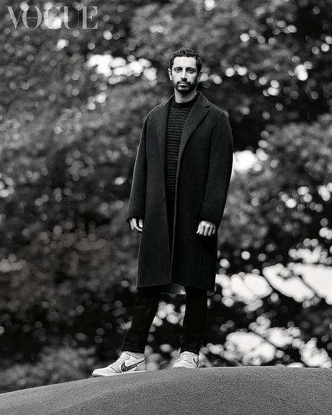 Риз Ахмед в фотосессии для British Vogue