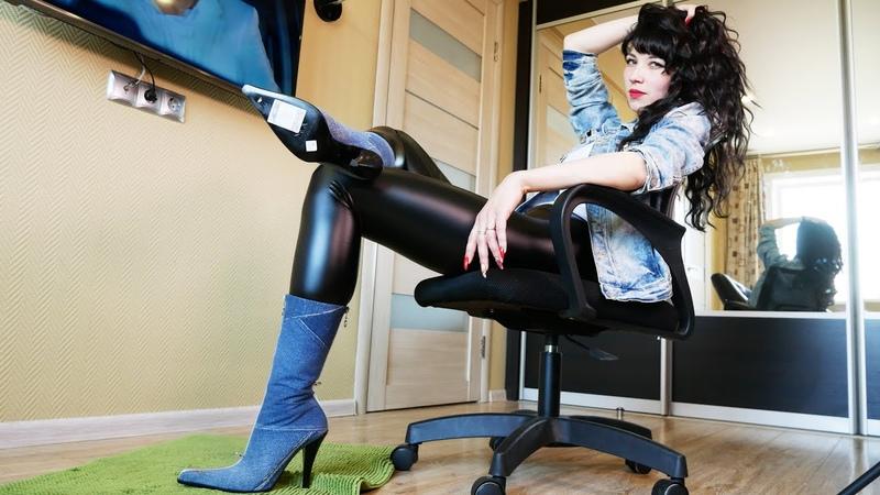 Valeria's GIANMARCO LORENZI EU39 5 US9 pointed toe high heels western denim ankle boots