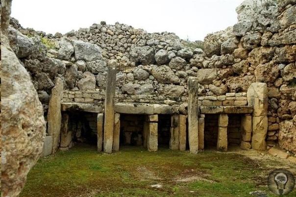 Тайны мегалитической культуры Мальты Мальтийский архипелаг лежит в центральной части Средиземноморья. Люди, некогда населившие его, по-видимому, прибыли сюда в VIV тысячелетиях до нашей эры с