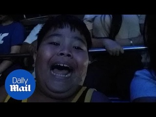 Filipino boy has hilarious reaction to pirate ship fairground ride