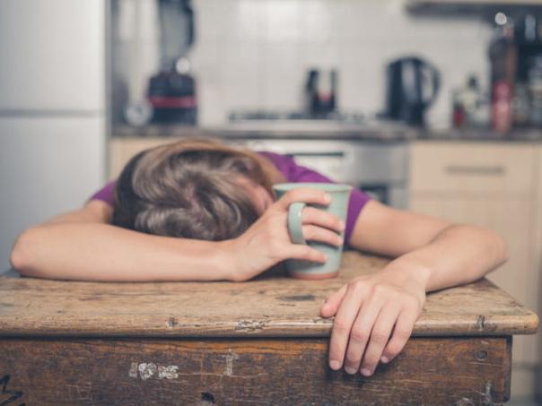 3 Причины почему уставшие люди как правило едят больше