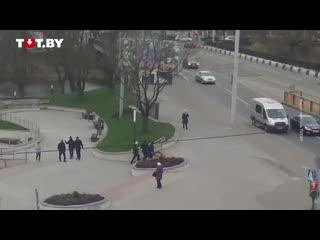 Задержания в сквере на улице Пулихова в Минске 6 ноября