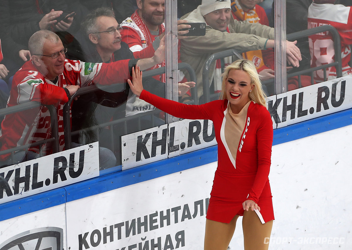 Spartak Ice Girls