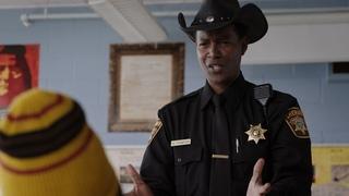 Хороший и плохой полицейский - Засланец из космоса / Resident Alien (1 сезон, 6 эпизод)