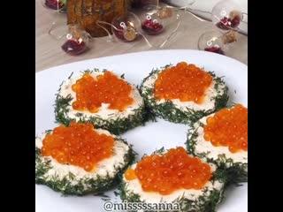 Идея для праздничных бутербродов
