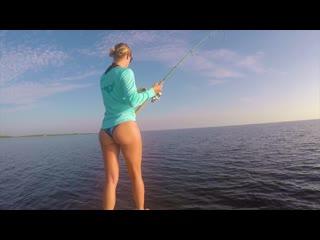 Красота и Рыбалка - 14. INCREDIBLE day Flats Fishing for HUGE Permit (CATCH  Release) (bikini beauty)