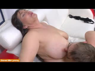 Внук приехал и трахнул бабушку, granny milf mature sex porn family bbw ass tit boob anal pussy (Инцест со зрелыми мамочками 18+)