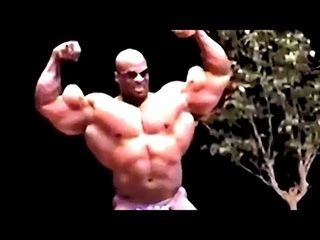 Ronnie Coleman Posing At OVER 300lbs