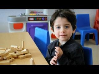 Мальчик поёт английский алфавит* так мило!)♥