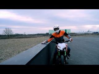 Stuntriding от Rok Bagoros на KTM DUKE 125 (Dub Step) 2011 - Мотоциклы и мотоциклисты   Yamaha   Ktm   Honda   Suzuki   Ducati   Bmw   Kawasaki   Стантрайдинг   Трюки   Слет   Дрифт   Прохват   Дтп   Прикол   Мото   Гонки   Драг  