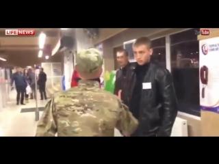 ✔ ОСОБОЕ МНЕНИЕ: Бухой солдат ВСУ с ежом напугал охрану супермаркета