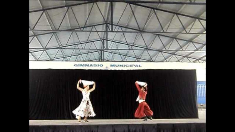 Zamba Agitando Pañuelos - Los de Tilcara Torneos Bonaerenses 2011- Micaela y Nicolas