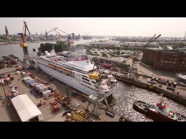 Cruise Ship timelapse Extension of Braemar at Blohm Voss