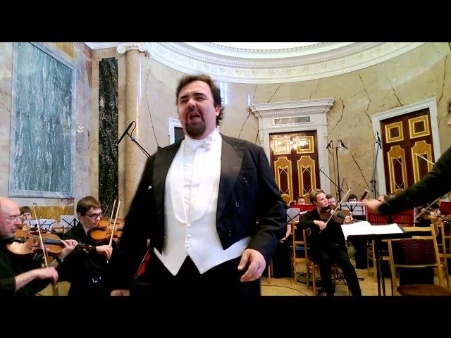 Roberto De Candia. Ария Фигаро из оперы Севильский цирюльник.