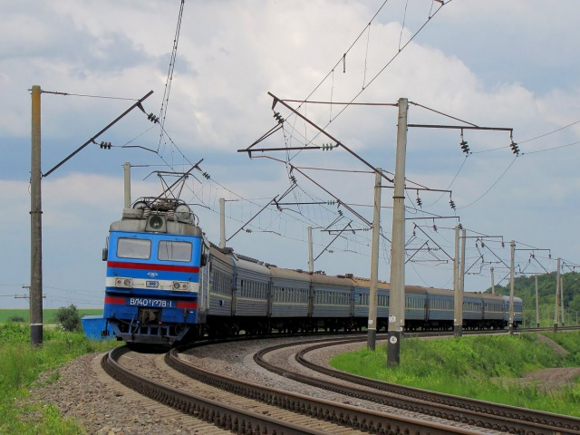 Электровоз ВЛ40у-1378-1 с пассажирским поездом №119. Electric vl40 with passenger train.