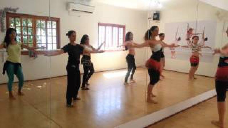 StudioK - Aula de Dança do Ventre - técnicas de quadril - Professora Karina Galasso