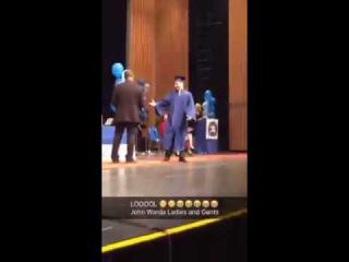 Dab on Principal at Grad