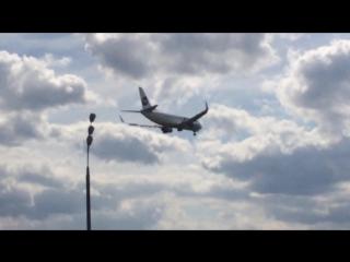 Посадка Boeing 737-500 ак UTair во Внуково