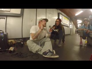 Наикрутейший джем-сейшн музыкантов в метро