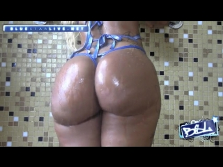 Blue star live - blac chyna - touch your body