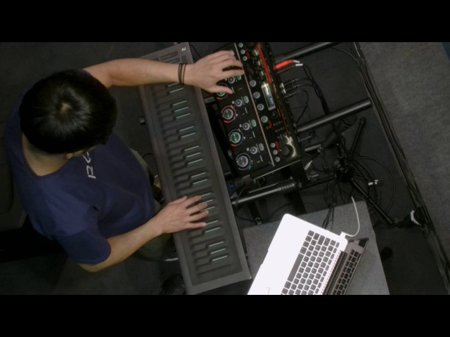 Heen Wah Wai performs with the Seaboard RISE and a Boss RC 505 at Musikmesse