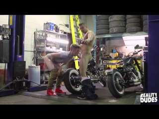 Reality Dudes Dudes In Public 15 - Garage - Alex Fortin And Thyle (1080p)