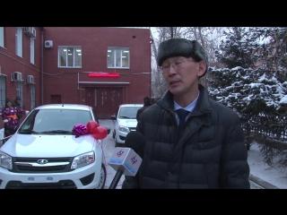 В управлении социального страхования республики вручили новые автомобили двум жительницам Тувы