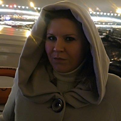 Юлия Сурикова