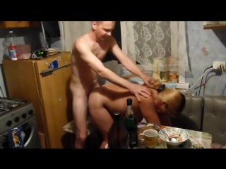 На глазах у жены ебет соседку_ секс, домашнее, любительское порно, соседка, измена, свингеры, жена снимает, муж изменяет, sex.