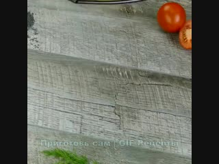 Всеми любимый салат Красные маки , выглядит очень красиво, разлетается со стола моментально1