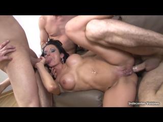 Elvira b. пацаны троём жёстко трахнули красивую милфу во все дыры. тёлка анал групповой секс sexy milf cougar group anal ass dp