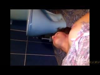 Спрятались от всх в туалете...КУНИ