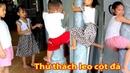 Gia Linh Minh Thư và em Cò chinh phục thử thách leo cột đá nhận thưởng trứng spider man
