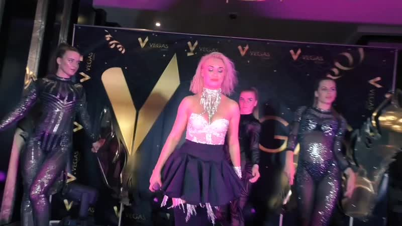 Катя Волкова On the floor