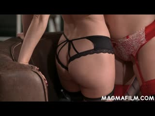Daphne Laat & Valentina Bianco in the Lesbian Porn