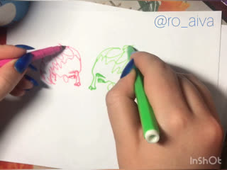 рисую  двумя руками