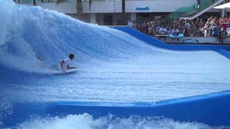 Аттракцион Flowrider искусственные волны для серфинга