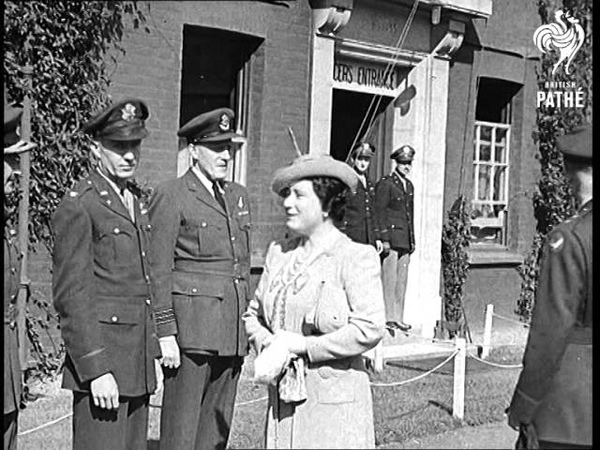 King And Queen At U S Air Bases Aka King And Queen At U S Air Fields 1943