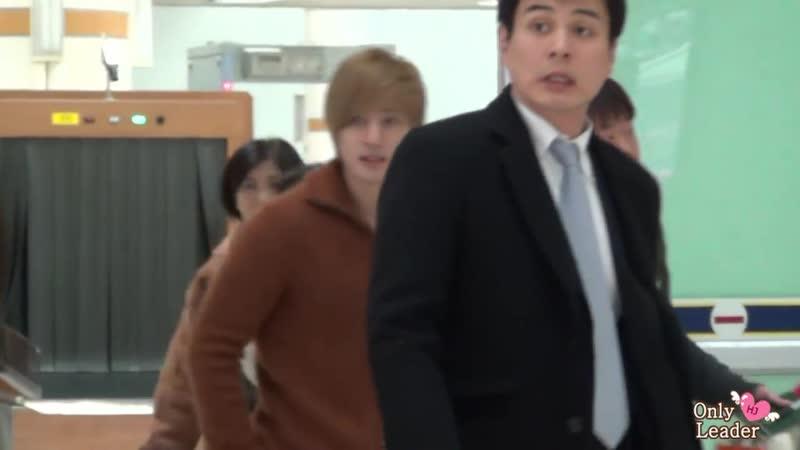 2012.02.08 Kim Hyun Joong-gimpo airport (from HANEDA)