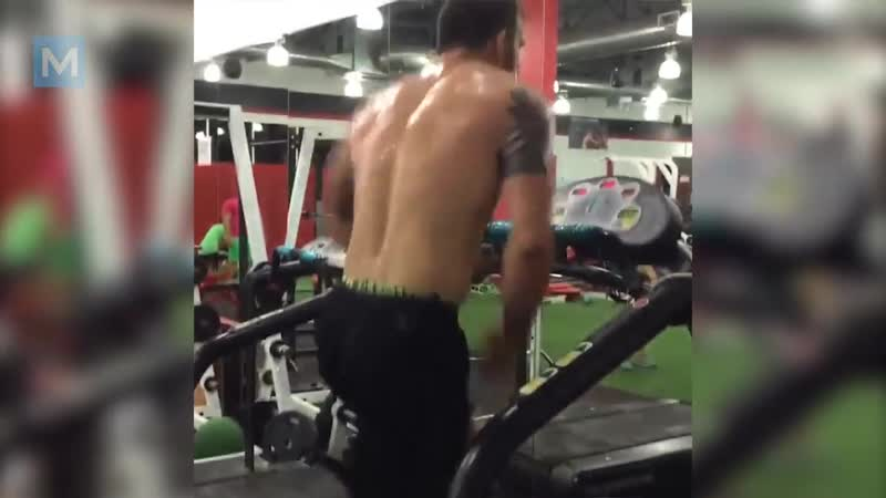 Видео Ryan Bader Conditioning Training Pad Work _ Muscle Madness смотреть онлайн