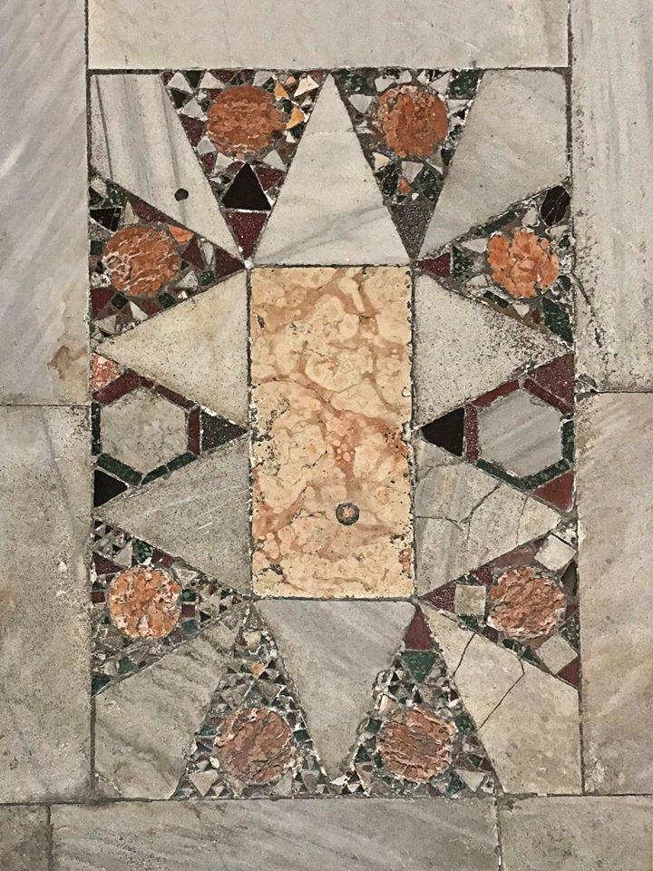 Фрагменты пола кафедрального собора в Равенне