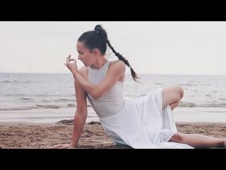 Yoga / Dance improvisation by Julia Ivanova. #NumMyoho